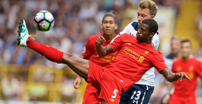 LONDON, ENGLAND - Saturday, August 27, 2016: Liverpool's Georginio Wijnaldum in action against Tottenham Hotspur's Christian Eriksen during the FA Premier League match at White Hart Lane. (Pic by David Rawcliffe/Propaganda)