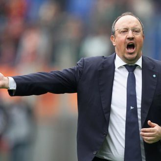 ROME, ITALY - APRIL 04:  SSC Napoli head coach Rafael Benitez reacts during the Serie A match between AS Roma and SSC Napoli at Stadio Olimpico on April 4, 2015 in Rome, Italy.  (Photo by Paolo Bruno/Getty Images)