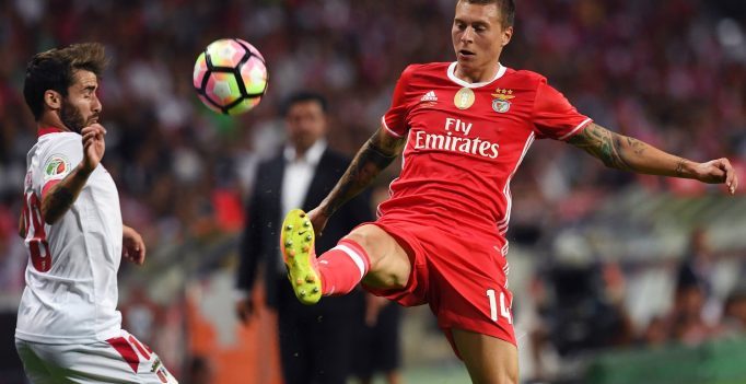 Sporting Braga's forward Rafa (L) vies with Benfica's Swedish defender Victor Nilsson-Lindelof during the Portuguese league football match SL Benfica vs SC Braga at the Municipal stadium in Aveiro on August 7, 2016. / AFP / FRANCISCO LEONG        (Photo credit should read FRANCISCO LEONG/AFP/Getty Images)